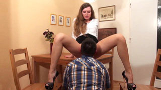 Dirty Talk With Long Legged German Babe Turns Into Hard Pussy Licking On Kitchen Table